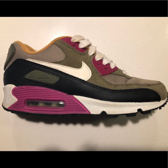 Nike Air Max 90 Essential Womens Trainers Bamboo Sail Medium Olive Black New Release